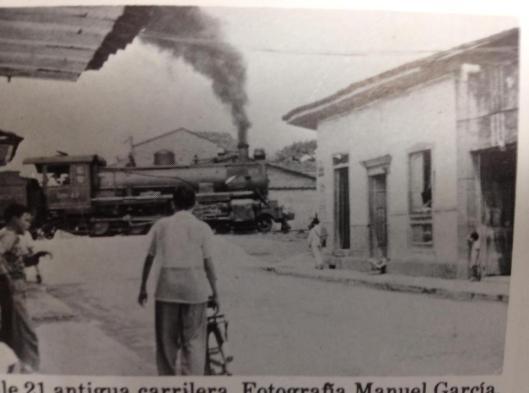 Paso del Ferrocarril Pereira - Fotografía de Manuel García.